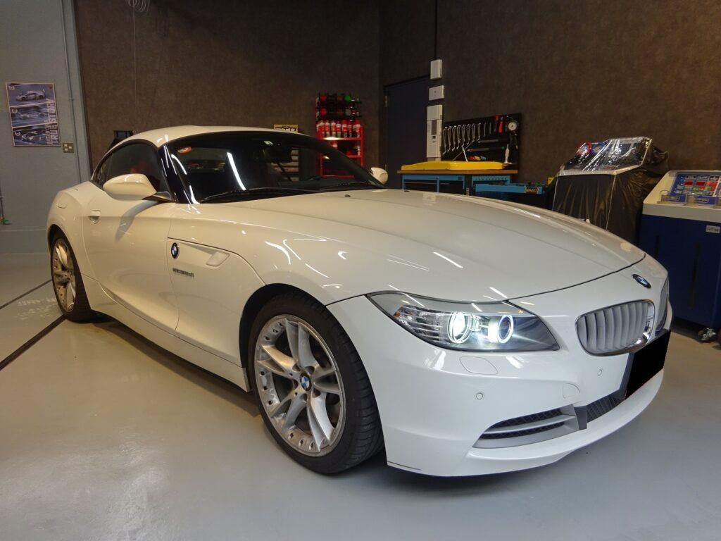 BMW Z4 E89 メンテナンス(車検整備・ポジションランプ交換・ブレーキパッド交換)